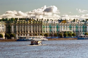 Why you should go to St Petersburg this summer!