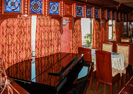 Golden Eagle Express Dining Carriage