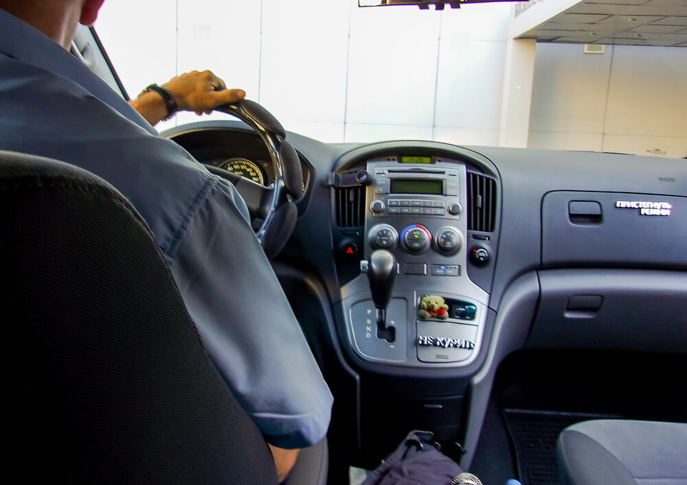 Inside a Private Russian Taxi